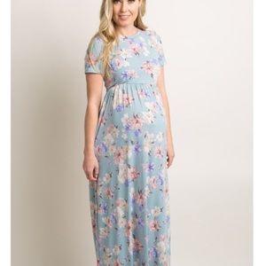 Poshmark maternity dress size small. Brand new.